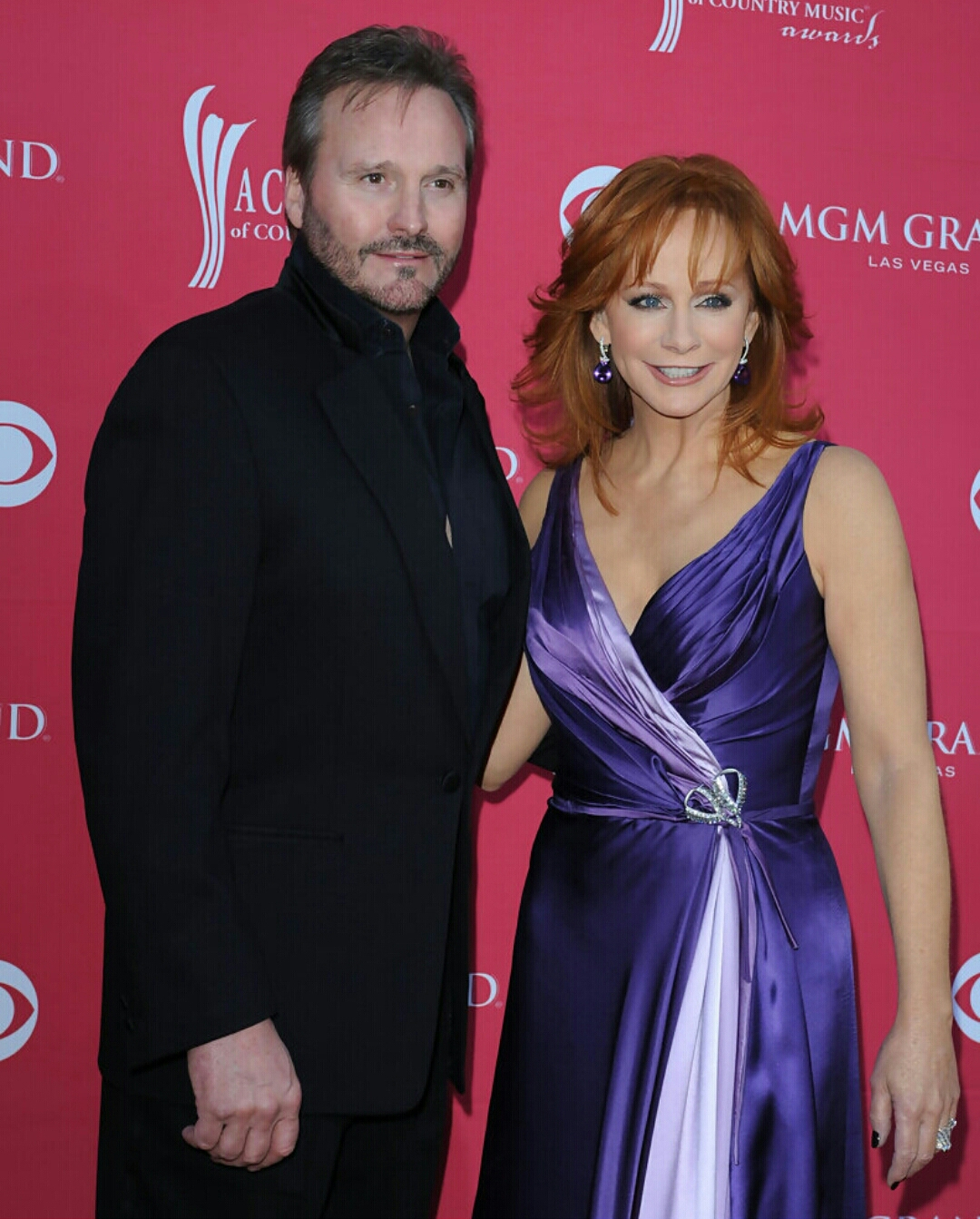 Reba mcentire announces divorce from narvel blackstock for Who is reba mcentire married to now